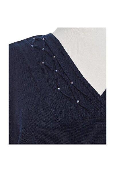 Kadın Yakası Taş Detaylı Triko Bluz
