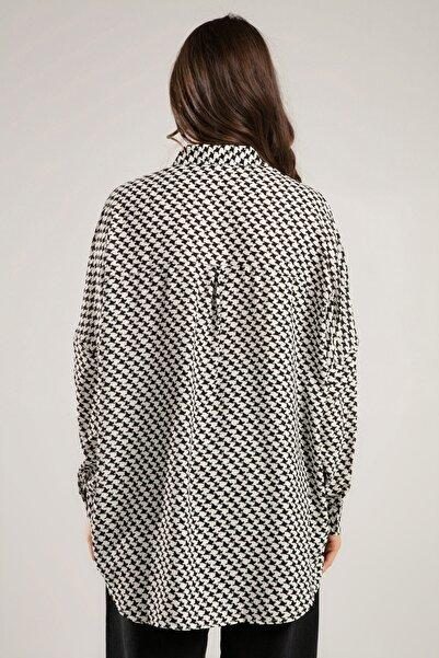 Kadın Siyah Beyaz Kaz Ayağı Desenli Yarasa Kol Gömlek 30685 Y19W109-30685