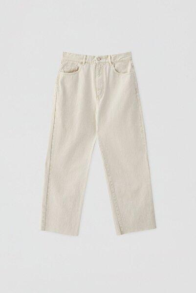 Pull & Bear Kadın Ekru Crop Straight Fit Jean 05670330