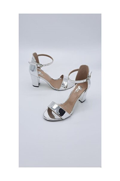 Stella Kadın Gümüş Ayna Tekbant Topuklu Ayakkabı