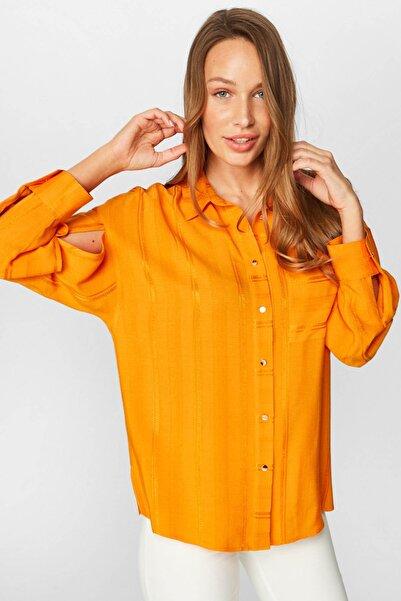 Faik Sönmez Kadın Turuncu Kol Detaylı Çizgili Jakarlı Gömlek 38387 U38387