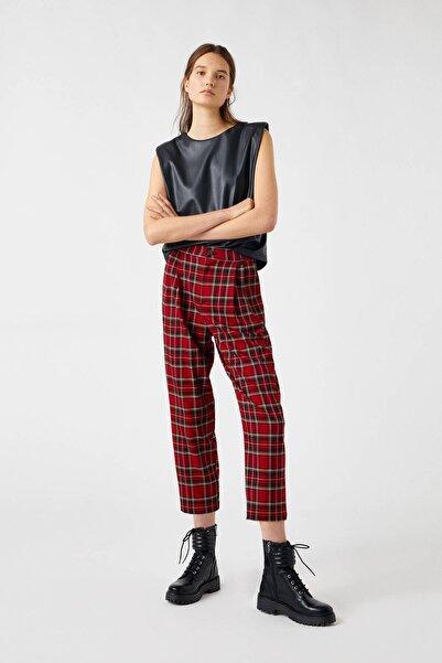 Pull & Bear Kadın Kırmızı Kareli Chino Pantolon 09672339