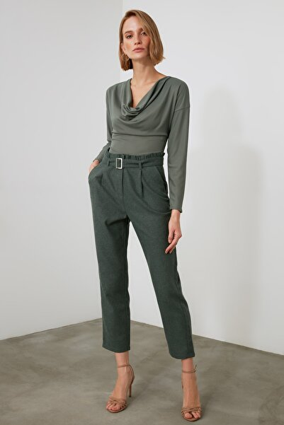 TRENDYOLMİLLA Yeşil Kemerli Pantolon TWOAW21PL0388