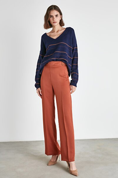 TRENDYOLMİLLA Kiremit Toka Detaylı Pantolon TWOAW21PL0745