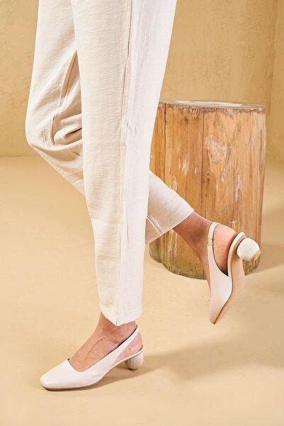 Louis Cardy Kadın Bej Hogun Hakiki Deri Klasik Topuklu Ayakkabı