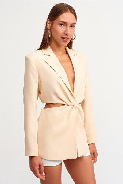 Dilvin Kadın Ekru Pencere Detaylı Ceket