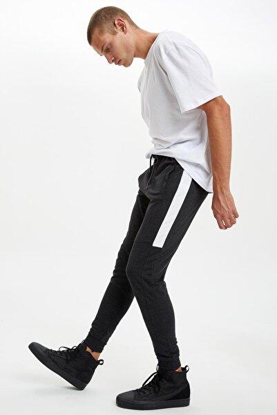 DeFacto Erkek Antrasit Slim Fit Blog Desenli Jogger Eşofman Altı R6866AZ20AUAR