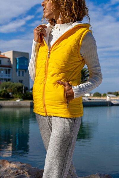 Güneşkızı Kadın Sarı Kapüşonlu Fermuarlı Cepli Şişme Yelek Gk-cm230