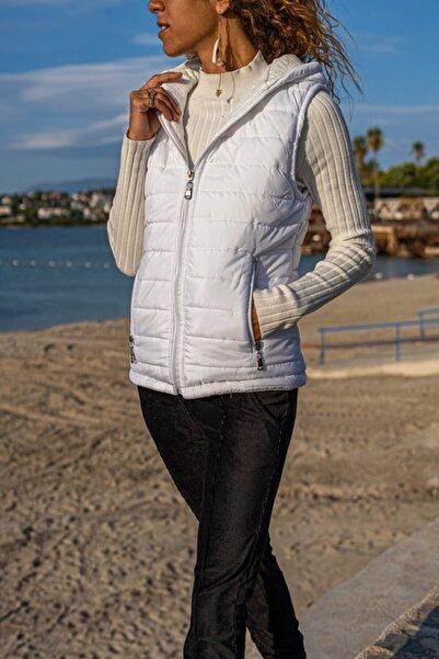 Güneşkızı Kadın Beyaz Kapüşonlu Fermuarlı Cepli Şişme Yelek Gk-cm230
