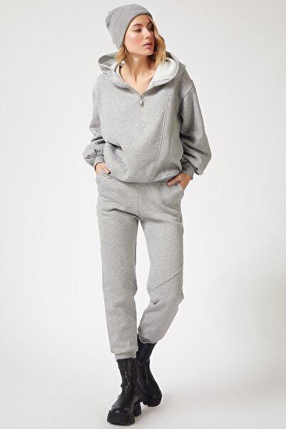Happiness İst. Kadın Gri Fermuarlı Dökümlü Premium Polarlı Eşofman Takımı BP00055