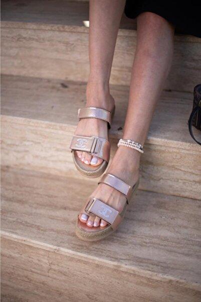 ESPARDİLE Kadın Altın Taşlı Sandalet