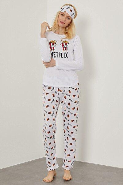 Arma Life Kadın Beyaz Netflix Desenli Pijama Takımı