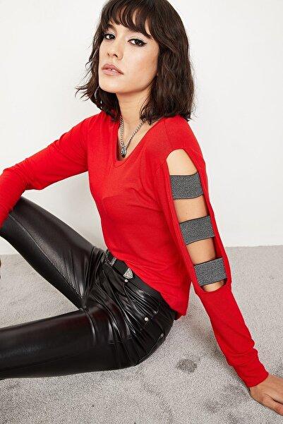 Lafaba Kadın Kırmızı Kolları Parlak Bantlı Dekolteli Bluz