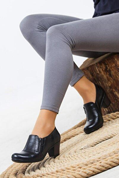 Deripabuc Hakiki Deri Siyah SİYAH Kadın Topuklu Deri Ayakkabı CRZ-1011