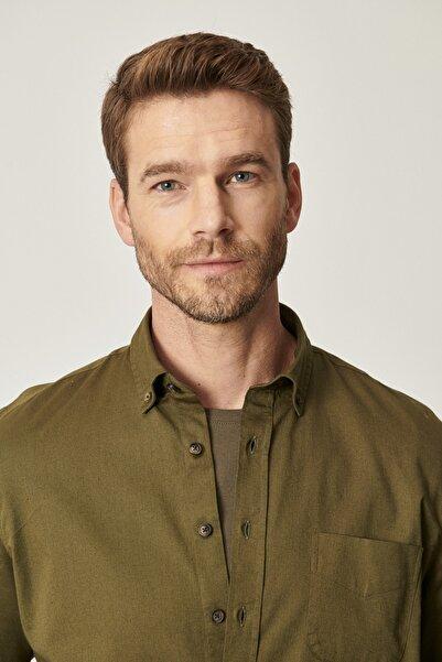 ALTINYILDIZ CLASSICS Erkek Haki 360 Derece Her Yöne Esneyen Tailored Slim Fit Düğmeli Yaka Gömlek