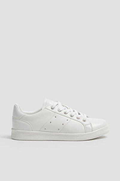 Pull & Bear Kadın Beyaz Zımba Detaylı Spor Ayakkabı 11202640