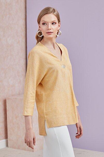 Journey Kadın Sarı Ön Orta Pile ve Aksesuar Detaylı Yarasa Kol Bluz