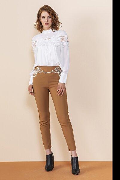 SERPİL Dantel Detaylı Bluz