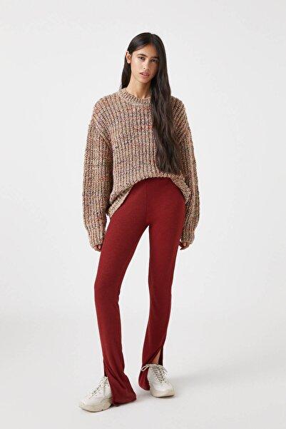Pull & Bear Kadın Nar Kırmızısı Yırtmaçlı Basic Pantolon 09678428