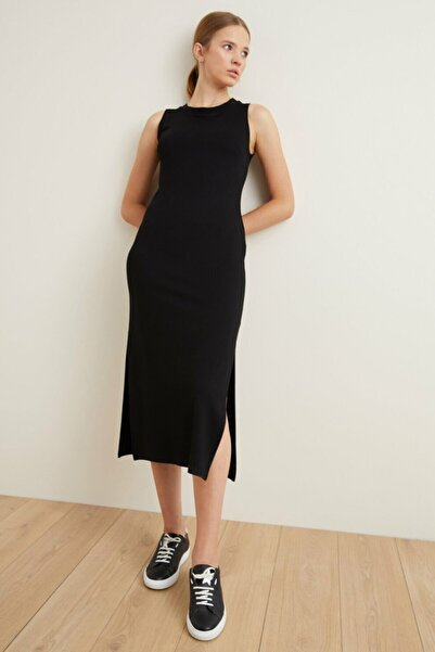 adL Kadın Siyah Kolsuz Elbise