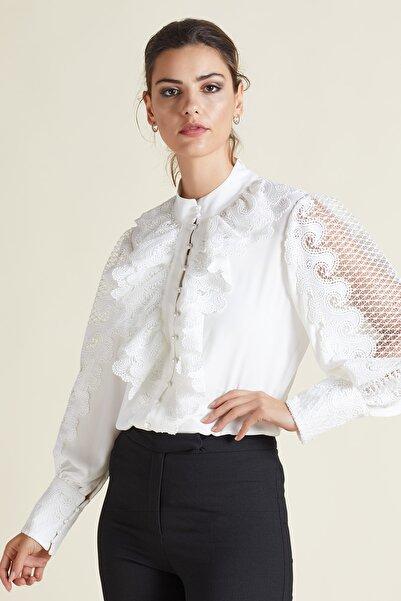 SERPİL Kadın Ekru Dantel Detaylı Volanlı Gömlek