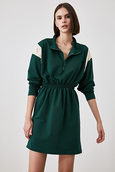 TRENDYOLMİLLA Yeşil Fermuarlı Örme Sweat Elbise TWOAW21EL0549