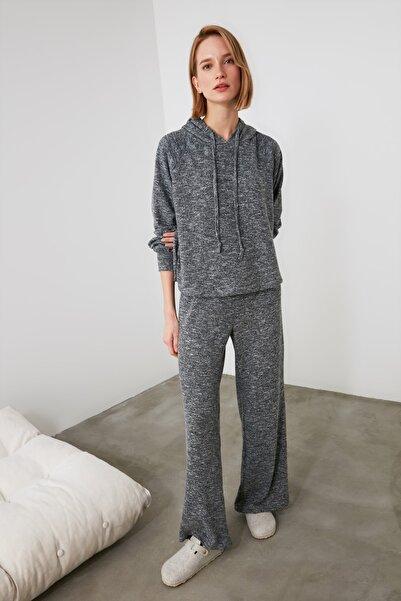 TRENDYOLMİLLA Lacivert Örme Pijama Takımı THMAW21PT0693