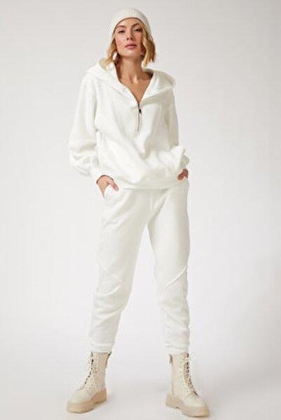 Kadın Beyaz Fermuarlı Dökümlü Premium Polarlı Eşofman Takımı BP00055