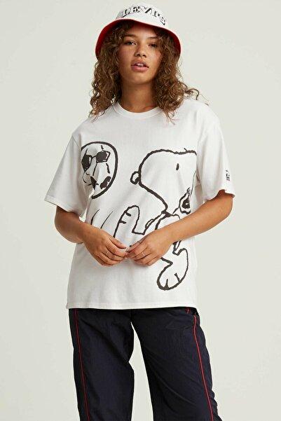 Levi's Kadın Beyaz Oversize T-Shirt 56152-0003