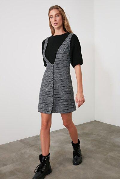 TRENDYOLMİLLA Çok Renkli Düğme Detaylı Örme Jile Elbise TWOAW20EL2099