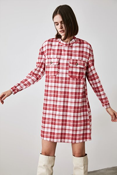 TRENDYOLMİLLA Kırmızı Cep Detaylı Elbise TWOAW21EL2181