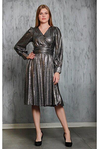 JEANNE DARC Kadın Gümüş Parlak Kumaş Kloş Etekli Kruvaze Yaka Elbise Je87171