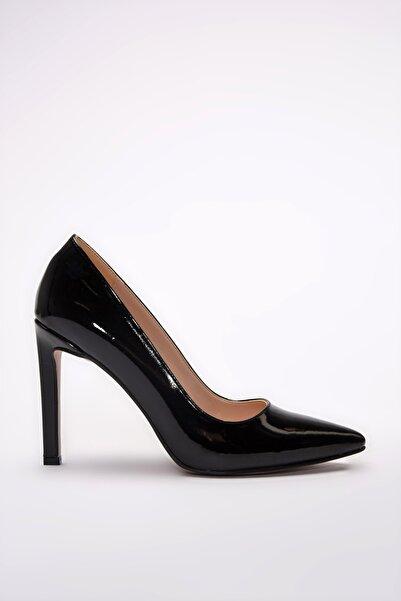 Yaya  by Hotiç Siyah Kadın Klasik Topuklu Ayakkabı 01AYY192220A100