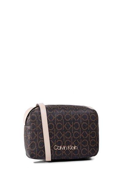 Calvin Klein Kadın Kahverengi Mono Camerabag Çapraz Askılı Çanta K60k606566