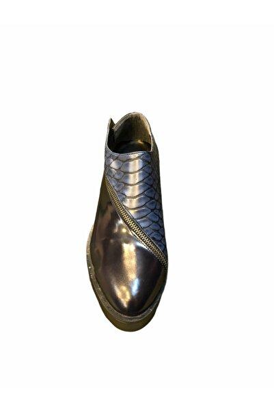 Dıvarese Kadın Timsah Deri Görünümlü Ayakkabı