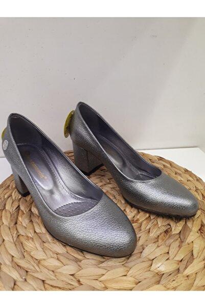 Mammamia Platin Kırışık Deri Kalın Topuklu Stiletto Klasik Topuklu Ayakkabı