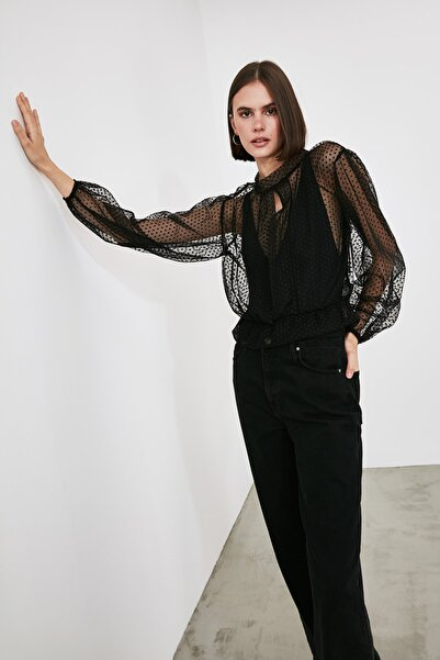 TRENDYOLMİLLA Siyah Tüllü Örme Bluz TWOAW21BZ1197