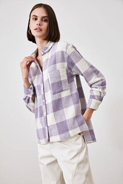 TRENDYOLMİLLA Lila Cep Detaylı Gömlek TWOAW21GO0321