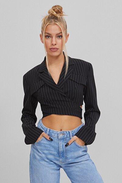 Bershka Kadın Siyah Çizgili Crop Fit Blazer