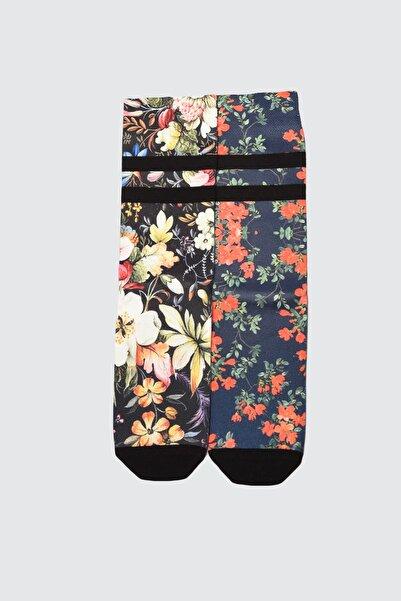 TRENDYOLMİLLA Çok Renkli 2'li Desenli Örme Çorap TWOAW21CO0148