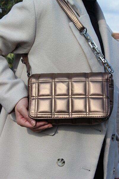 BOZDEMİR ÇANTA Kadın Bakır Kare Nakışlı Metal Kulplu Çanta