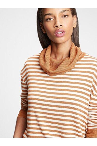 GAP Kadın Kahverengi Softspun Balıkçı Yaka T-shirt