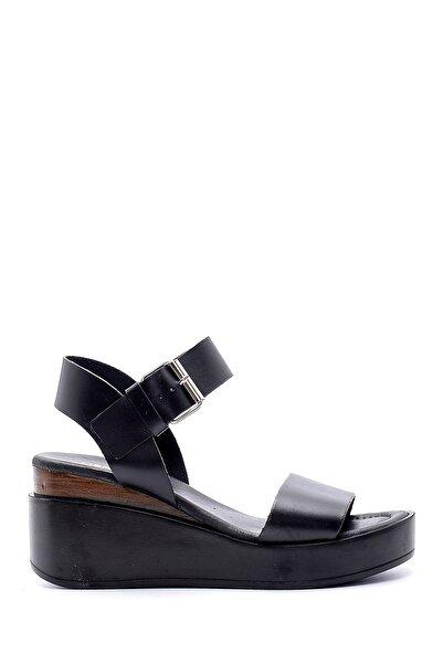 Derimod Kadın Yüksek Tabanlı Deri Sandalet