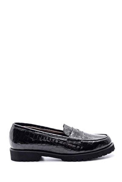 Kadın Siyah Kroko Desenli Deri Loafer