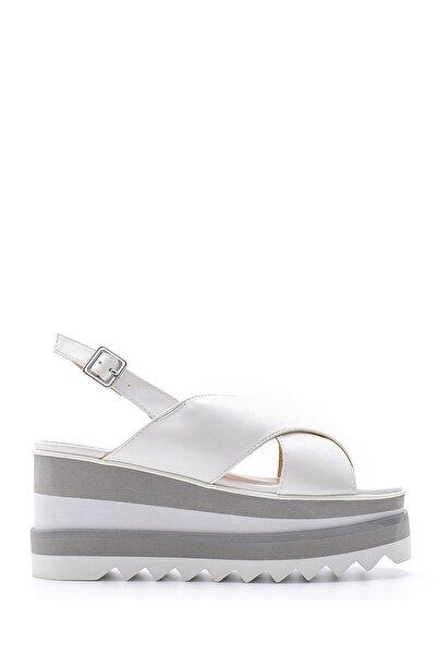 Derimod Kadın Beyaz Dolgu Topuk Sandalet