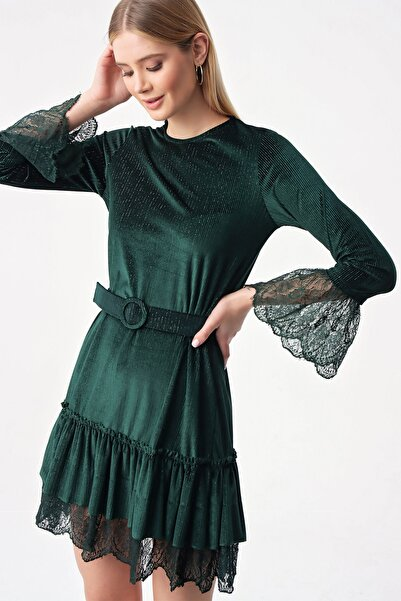 By Saygı Kadın Yeşil Kol Ve Etek Ucu Dantel Kadife Elbise S-21K1520014