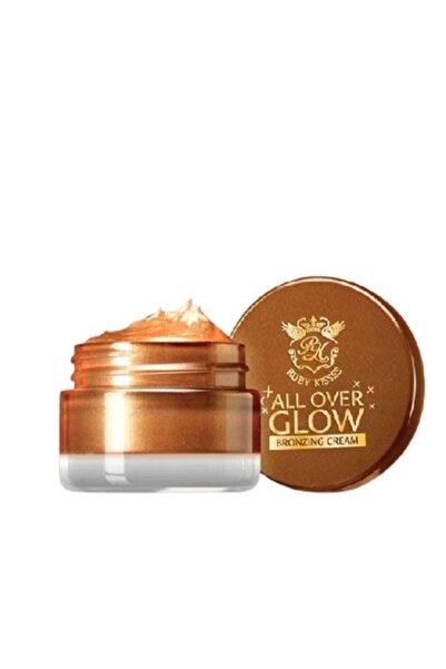 Kiss All Over Glow Bronzer Cream