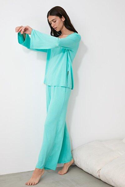 TRENDYOLMİLLA Mint V Yaka Örme Pijama Takımı THMAW21PT0061