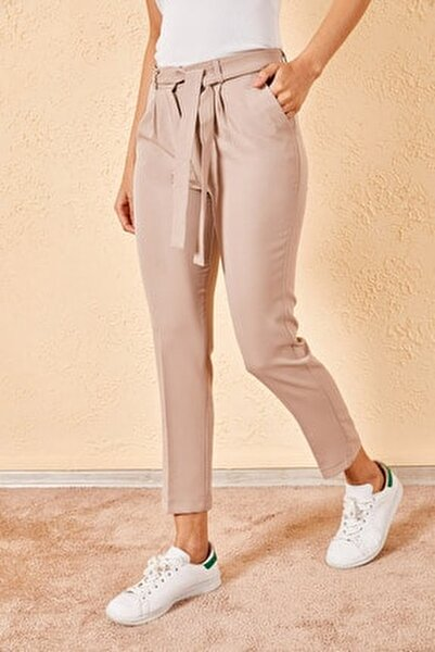 Kadın Bej Bel Kuşaklı Klasik Pantolon