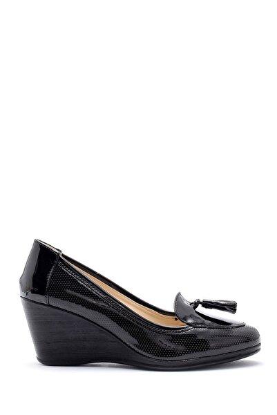 Derimod Kadın Siyah Rugan Dolgu Topuklu Ayakkabı